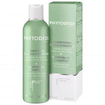 Andiroba oil shampoo