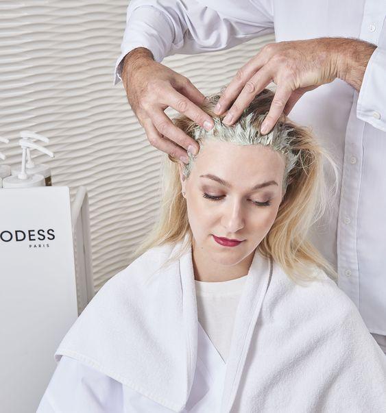Le rituel shampooing chez DESSANGE