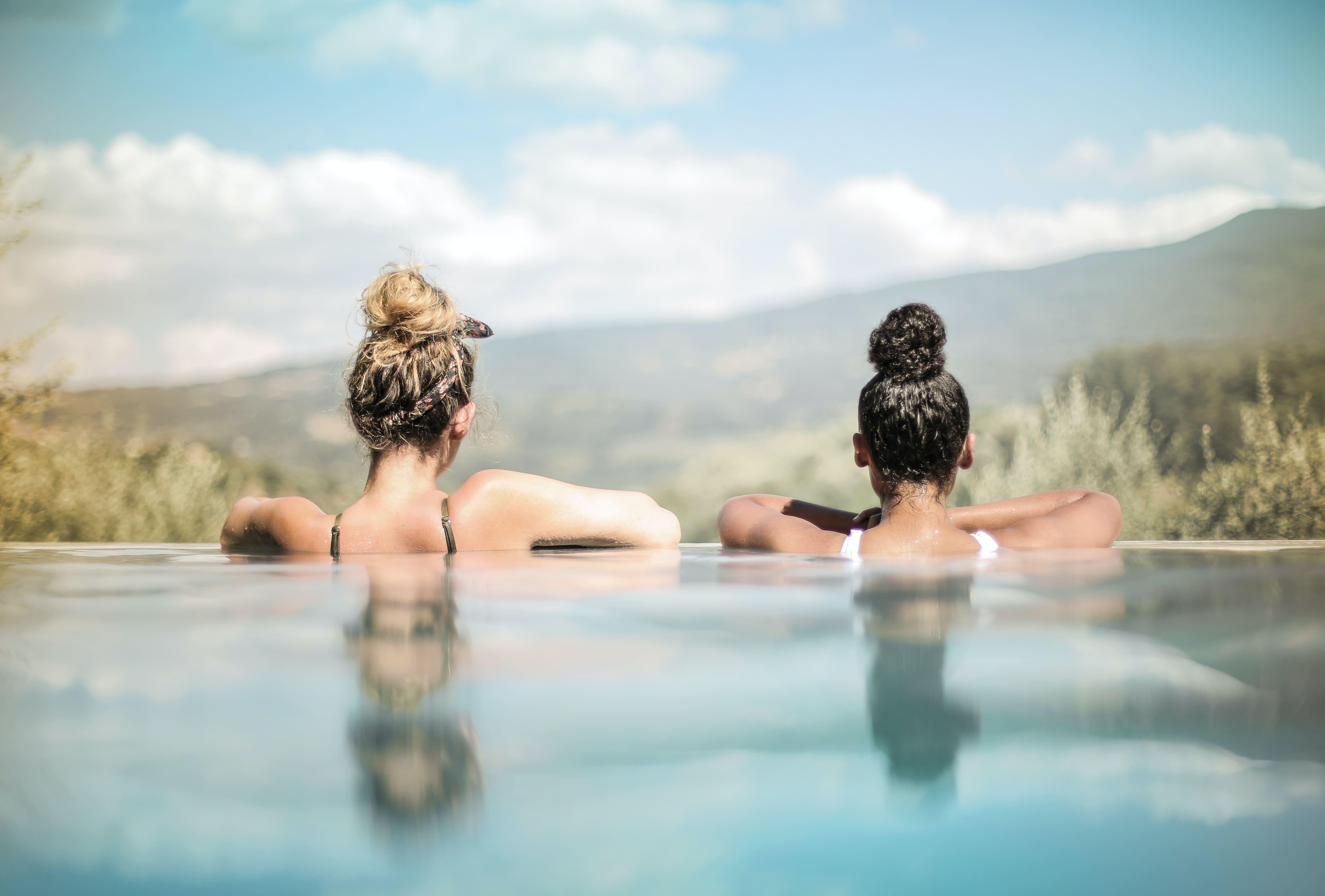 Soigner vos cheveux après la piscine
