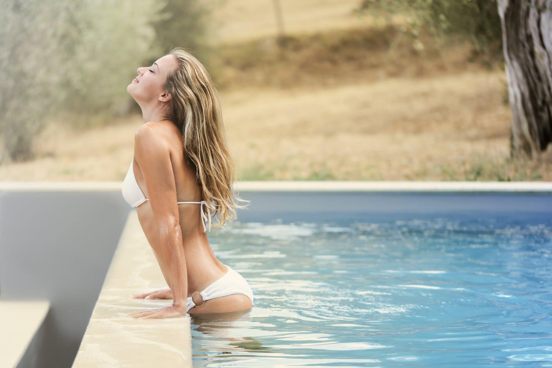 Sprays capillaires protecteurs de soleil : comment bien les utiliser ?