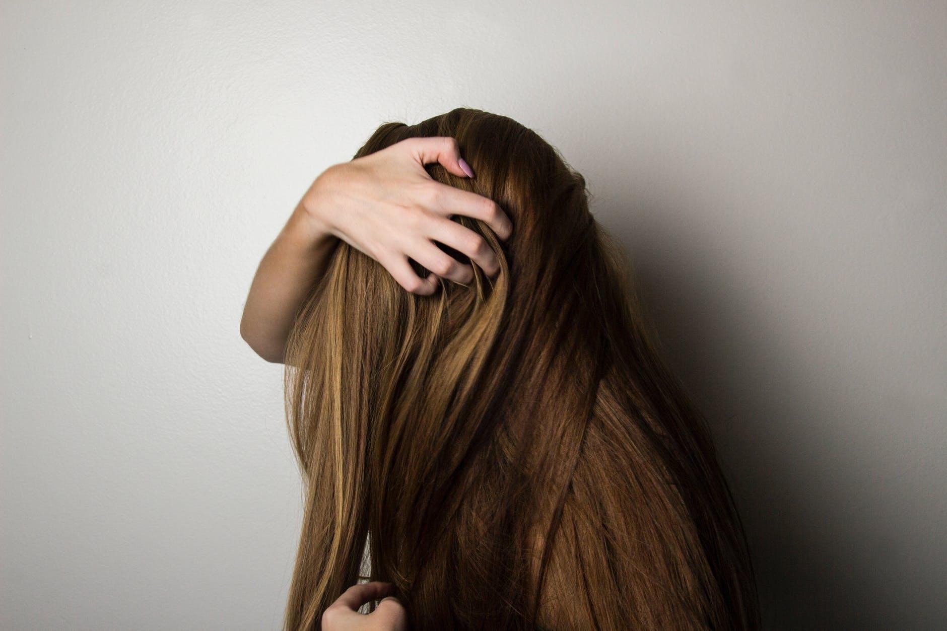 Comment favoriser la pousse des cheveux ?